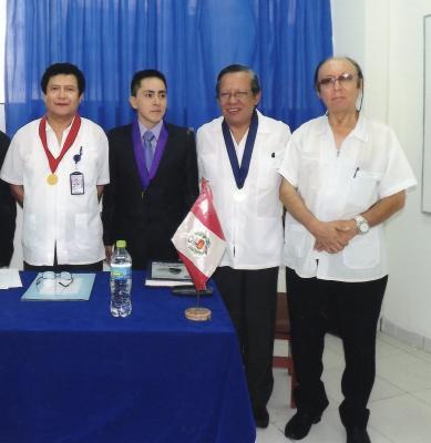 Huaralino se gradúa de médico
